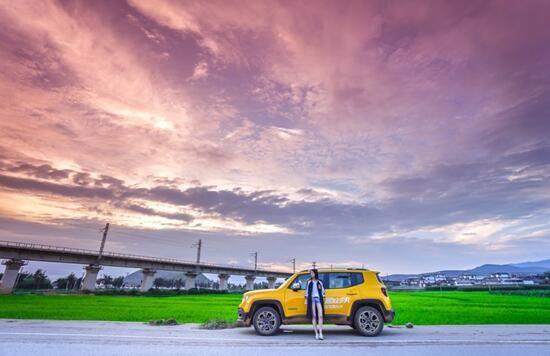 黄的明亮和变幻的天空交相辉印,更不用说自由侠拥有可供选择的9种车