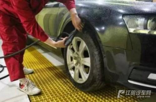经常给车洗澡 但是这几个细节你注意过吗?